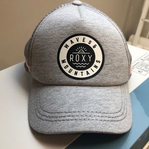 Roxy Waves and Mountains Trucker Hat